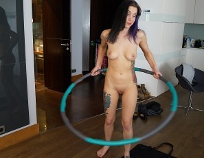 content/022718_raquel_naked_home_workout_with_rabbit_vibrator_floor_masturbation/2.jpg