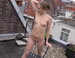 content/052016_mira_arriving_to_amsterdam_to_shoot_on_our_roof_masturbating/2.jpg