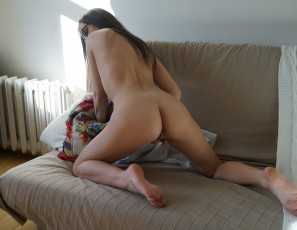 content/052317_first_time_video_with_fresh_20yo_maria/1.jpg
