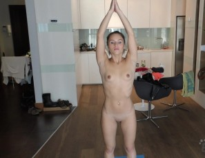 content/081916_naked_yoga_featuring_linda/4.jpg