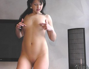 content/120616_19yo_lexi_gives_me_sexy_strip_tease_and_dildo_show/3.jpg